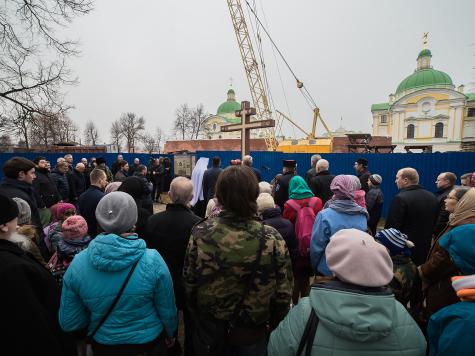 ВТвери прошла панихида попогибшим всанкт-петербургском метро