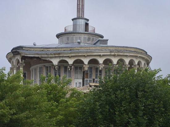 В помещении Речного вокзала демонтируют бельведер