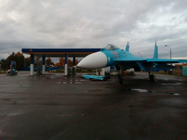 Граждане Тверской области обнаружили истребитель Су-27 наАЗС