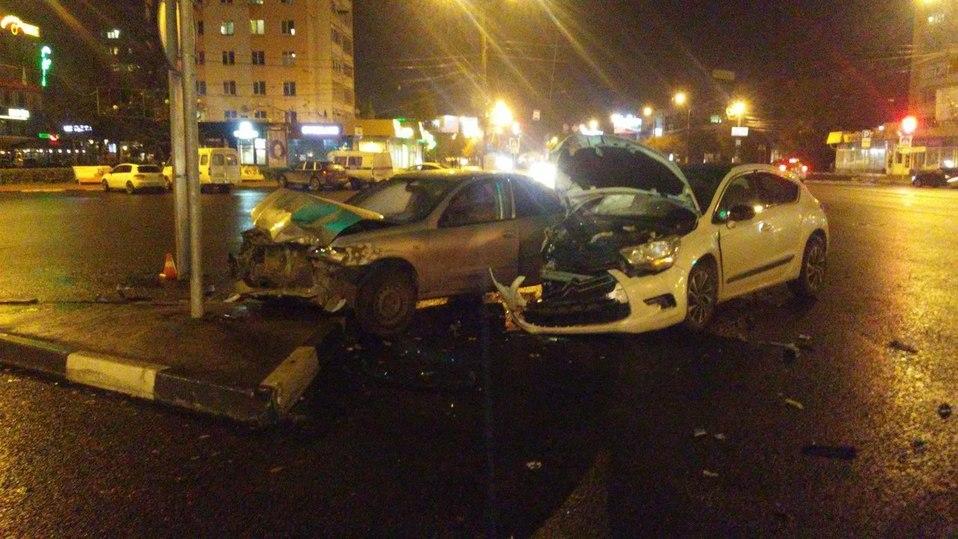 ВДТП вцентре Перми пострадали три человека