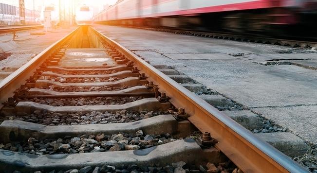 ВРедкино пенсионерка угодила под поезд