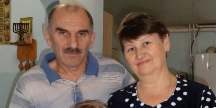 Наибольшей приемной семье Тверской области подарили новый микроавтобус