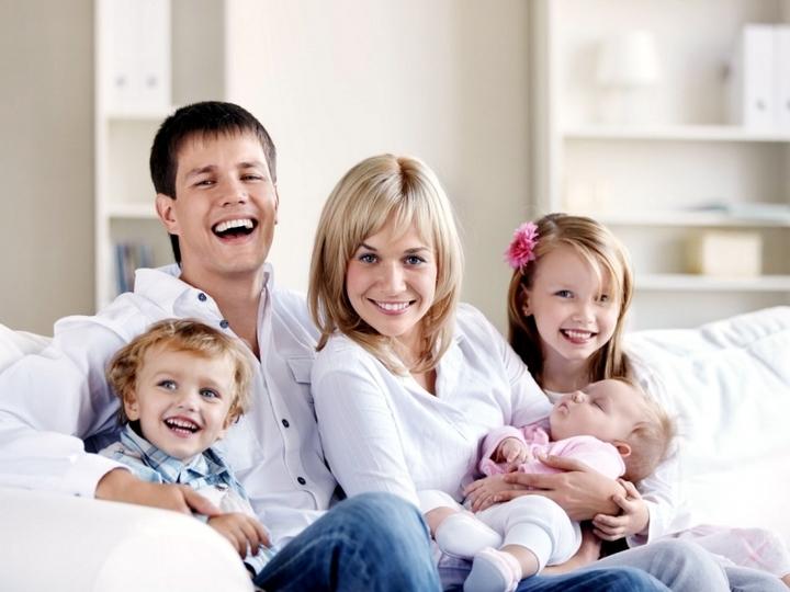 Регионы получат 20 млрд руб. для выплат многодетным семьям