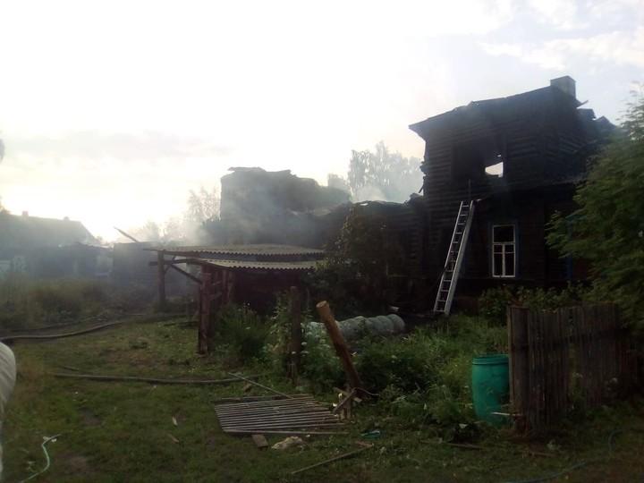 Восемь домов сгорело ночью вОсташкове