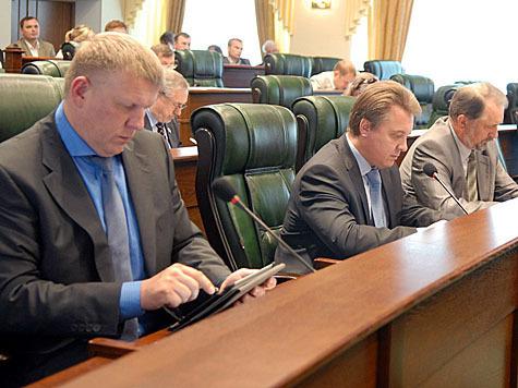 Губернатор будет выбираться всенародным голосованием. За это проголосовали депутаты Заксобрания Тверской области